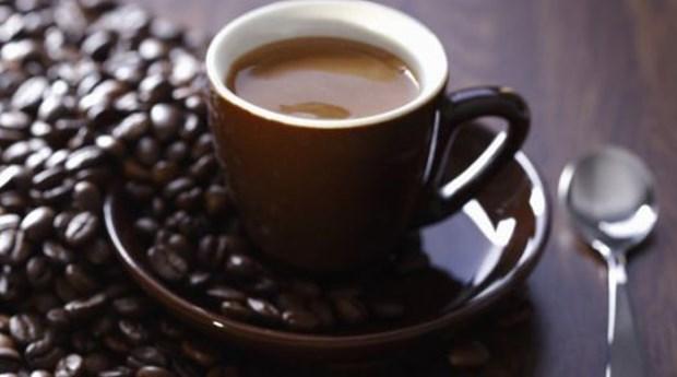 19. Kahve taneleriyle mum yapmak bile mümkün. 20. Kahve tanelerinin de içinde bulunduğu bir karışımla ahşapların rengi değiştirilebilir.