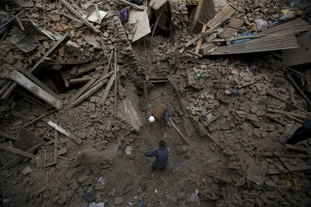 7.8 büyüklüğündeki deprem, ülkede 1934 yılında meydana gelen ve 10 binden fazla kişinin hayatını kaybettiği 8.1 büyüklüğündeki depremin ardından kaydedilen en şiddetli deprem oldu.