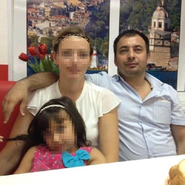 Tataristan'ın başkenti Kazan'da pastane işleten Samsunlu inşaat mühendisi Yusuf Genç, geçen 21 Mart günü evinde boğazı kesilmiş ve sırtından bıçaklanarak öldürülmüş halde bulundu. Tataristan polisi, Genç'in, bu ülkedeki ortağı Denizlili Şakir Meral tarafından öldürüldüğünü saptadı. Tataristan polisi, Şakir Meral'ın, ülkeden kaçtığını belirledi.Bunun üzerine Şakir Meral, interpol tarafından da aranmaya başlandı.