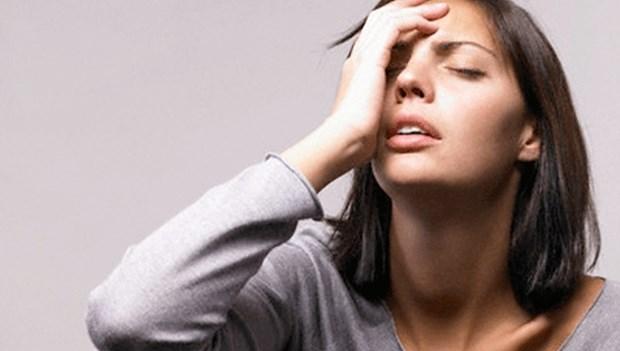 5. Sebepsiz gerginlik Kendinizi hiçbir sebep yokken gergin sıkıntılı veya sinirli mi hissediyorsunuz? Dikkat edin, bunun nedeni demir eksikliği anemisine bağlı oksijen yetersizliği olabiliyor.