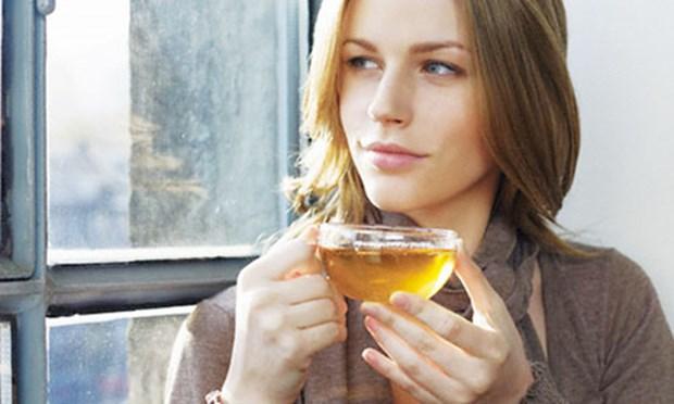 Eğer kişinin herhangi bir problemi yoksa gün içerisinde 2 fincan yeşil çay, 2 fincan kahve içebilir.