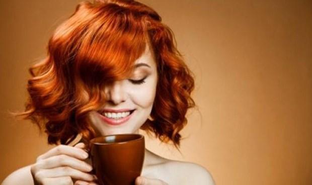 10. Sulandırılmış kahveden hazırlayacağınız krem, gözaltı torbalarınıza iyi gelir. 11. 2 hafta boyunca her gün kahve taneleri ve hindistan cevizinden oluşan bir karışımla bacağa uygulanan masaj, selülit riskini azaltır.