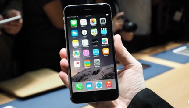 13. Apple iPhone 6 Plus Pil gücü 2915mAh 2 saat 51 dakika