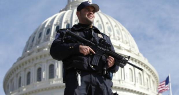 Washington polisine tuvalette silah unutmama eğitimi