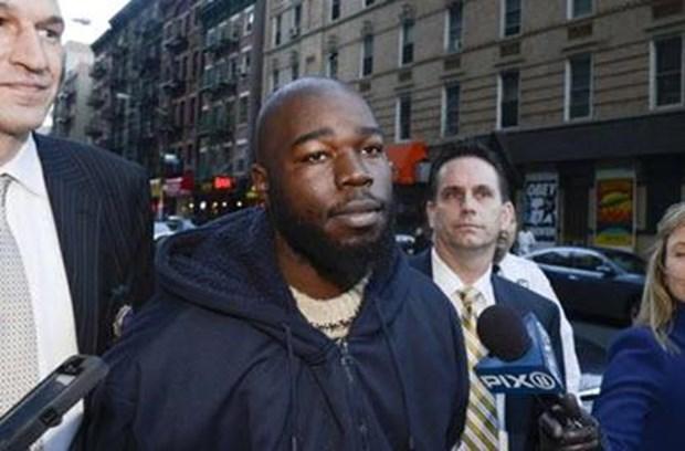 şte katili Şu anda 32 yaşında olan Davis, bu cinayeti kafasının içinde sesler duyduğu için işlediğini söylese de tutuklandı.