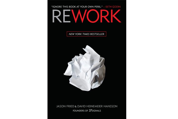 """Sil Baştan - David H. Hansson, Josan Fried """"Bu, farklı türden okuyucular için yazılmış farklı bir iş kitabı - bir şirket kurmayı aklının ucundan bile geçirmemiş olanlardan tutun da, halihazırdaki başarılı şirket sahiplerine kadar."""" Jason Fried bu ilk kitabını, büyük ve küçük ölçekli girişimciler, yaratıcılar, yaşamlarını şirketlerine adayanlar ve hatta şirket kurmayı hiç düşünmemiş olanlar için yazdı. Seth Godin, yayımlandığı günden bu yana girişimcilik alanında en çok okunan kitaplar arasında bulunan REWORK için, """"bu tanıtımı okumayı bırakın ve kitabı satın alın"""" diyor."""""""