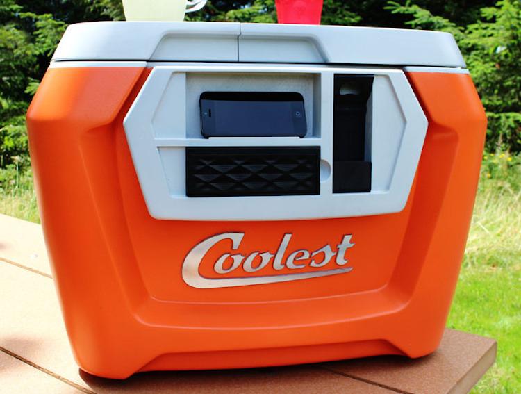 Coolest Cooler Topladığı fon ($): 13,285,226 Kickstarter'da bugüne kadar en yüksek fonlamaya ulaşan Cooleset Cooler, yeni nesil bir soğutucu. Kablosuz hoparlör, bluetooth ve LED aydınlatma gibi özelliklerle geliyor.