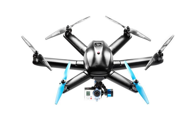 Hexo+ Topladığı fon ($): 1,306,920 Temmuz 2014'te, ilk saatinde fon hedefine ulaşan Hexo+'ın uçan kamerası kullanıcısını hareket halindeyken takip ediyor ve çekim yapıyor.