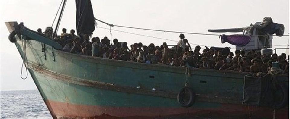 Uluslararası Göç Örgütü, Hint Okyanusu ve Adaman Denizi açıklarındaki insan kaçakçılarına ait teknelerde halen 8 bin göçmenin bulunduğunu açıkladı.