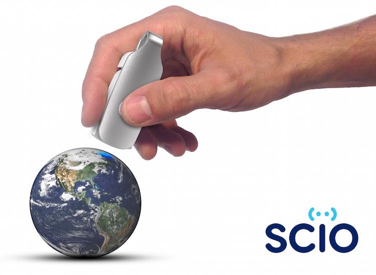 Scio Topladığı fon ($): 2,762,571 Moleküler tarayıcı Scio, yiyeceklerin, ilaçların vs içeriğini size gösteren USB çubuğu büyüklüğünde bir cihaz. Haziran 2014'te fonlanan proje yılın en çok ilgi görenlerinden biriydi.