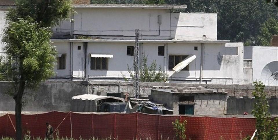 ABD helikopterleri müdahale olmadan Pakistan hava sahasına girdi. Evi koruyan Pakistan istihbaratçıları, helikopter sesi duyulunca evin çevresinden ayrılacaklardı. Operasyonda çatışma çıkmadı.