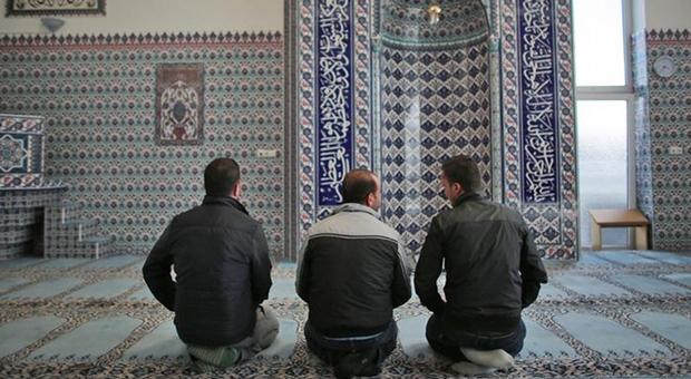 Uzmanlardan İslam düşmanlığı uyarısı