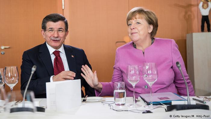 DW Türkçe İle Dünya'dan ve Türkiyeden Haber Başlıkları...