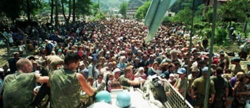 Srebrenitsa'da neler yaşandı: 8 binden fazla Müslüman Katledildi