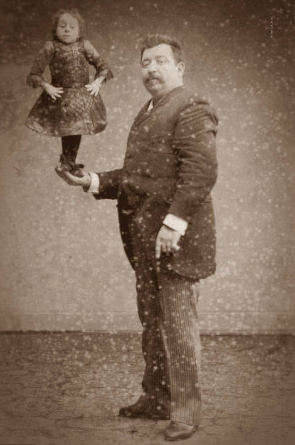 By The 1890s, Victorian 'Freak Shows'