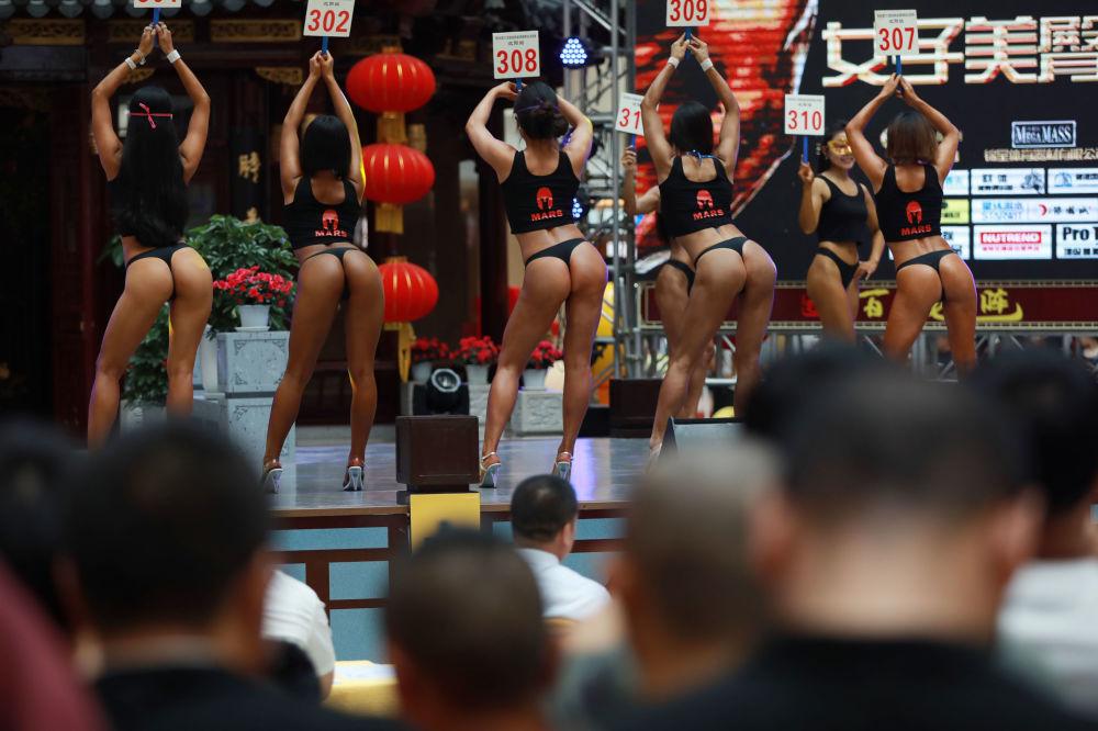 Bayan Popo: Çin'de En Güzel Popolu Kadın Yarışması