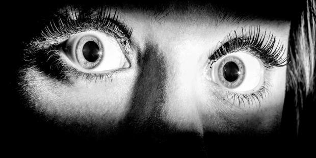 Bazen hayaletlerden hatta rüzgârın uğultusundan neden korkarız