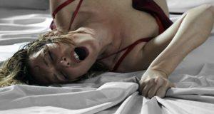 Orgazm: Kadınların Orgazm Olmasında Çorap Rolü