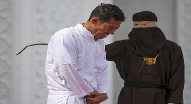 Christian man flogged in Indonesia for selling banned alcohol video