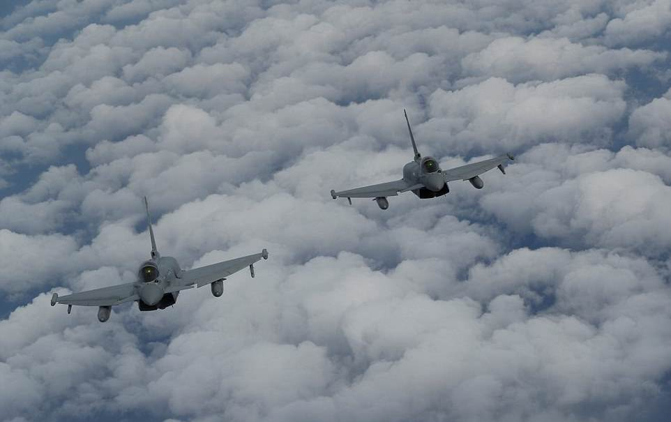 RAF pilots train flying Lightning jets