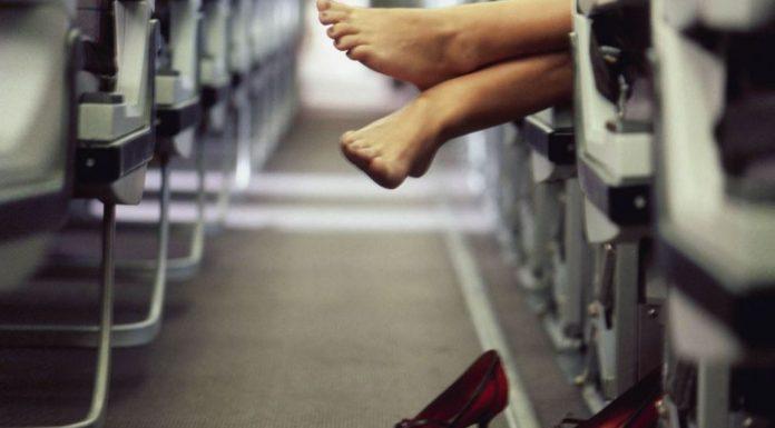 Uçakta koku saçmamak için hostesler yolculara ne öneriyor?