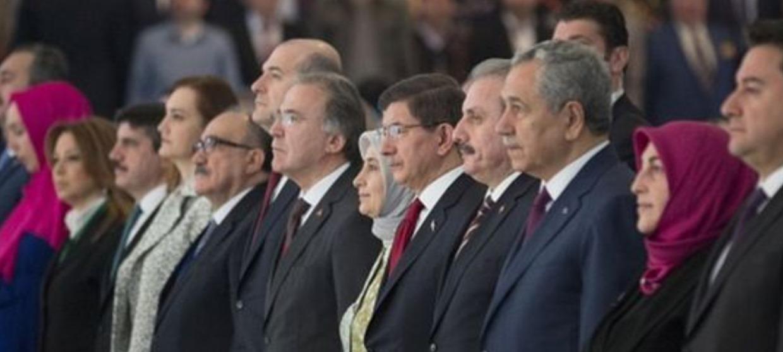 """Erdoğan'ın """"Arkadan bıçakladılar"""" Dediği Eski Yol Arkadaşlarının Yeni Parti Girişimi"""