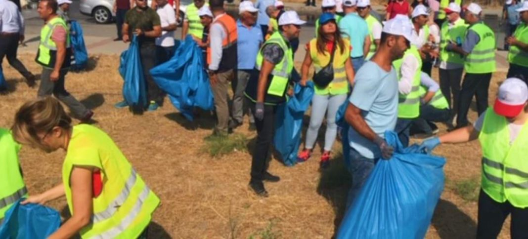 İzmir'e Toz Kondurmuyoruz: İzmir'de Temizlik Seferberliği