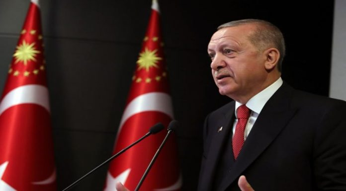 Cumhurbaşkanı Erdoğan'ın 'vitrin mankeni' sözlerine muhalefetten tepki