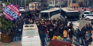 Kadınlar İstanbul Sözleşmesi'nden çekilme kararını protesto etti: Sezen Ünlü yaşıyor olacaktı