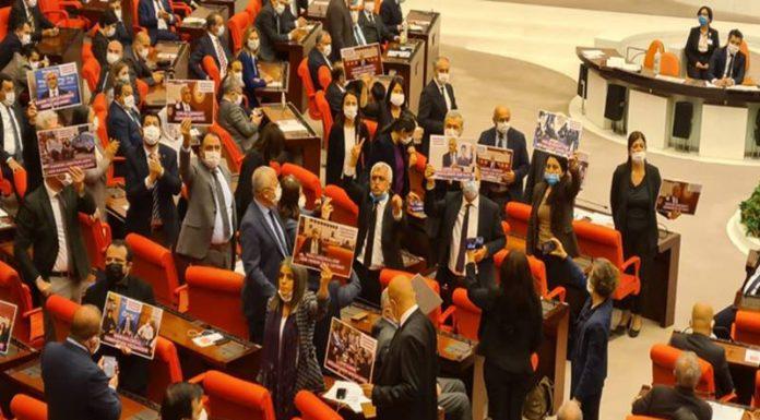 Bugüne kadar Türkiye'de kapatma davası açılan partiler
